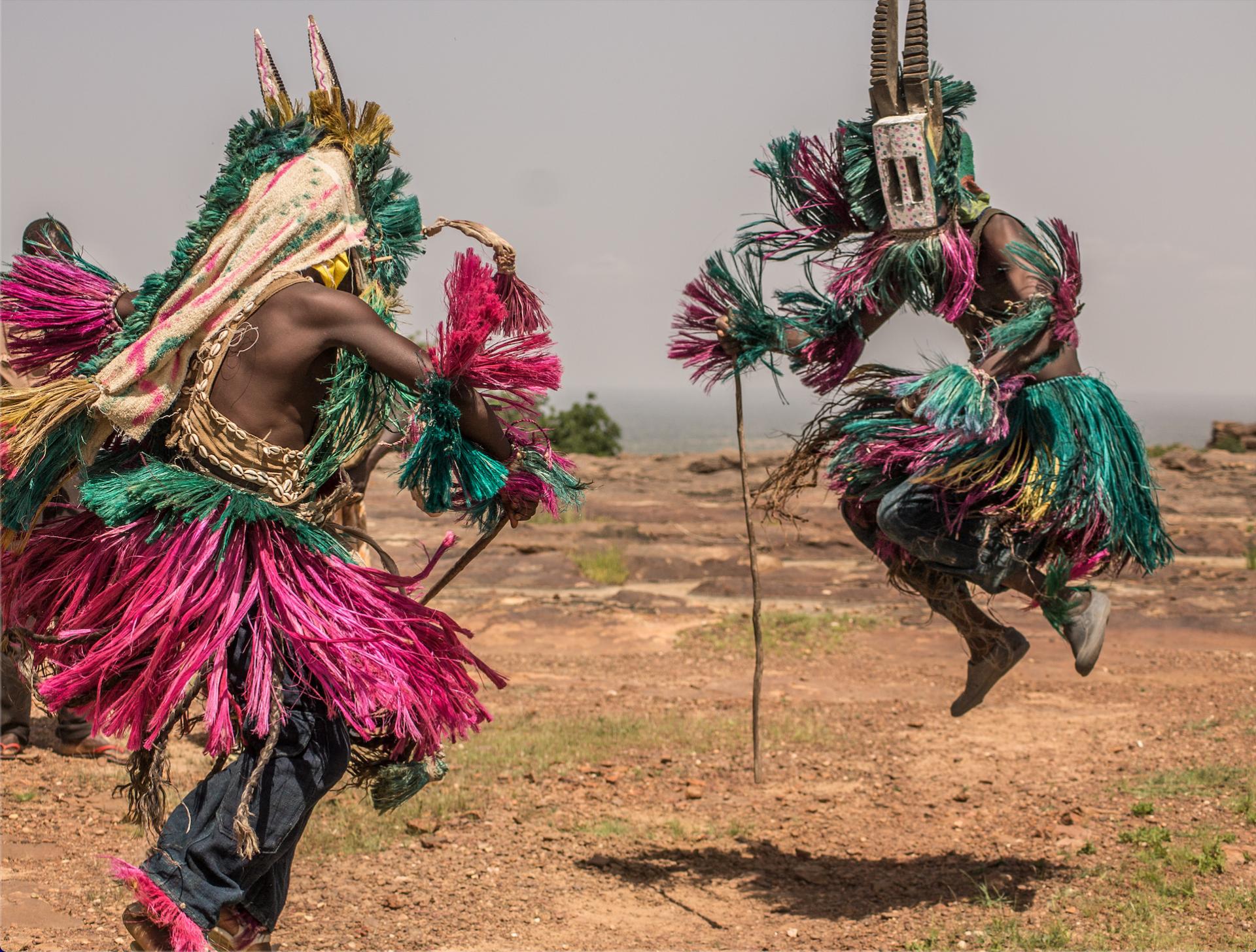 Baile de máscaras en País Dogón
